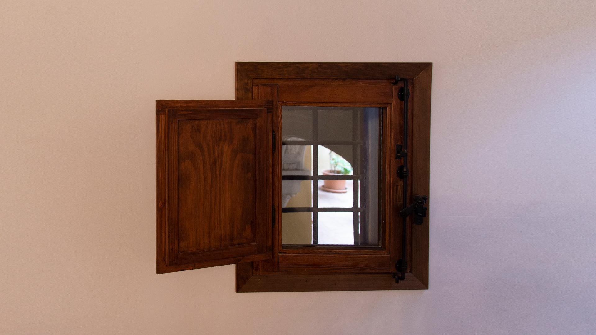 RMCZ despacho donlope 4 ventana zaguan 2
