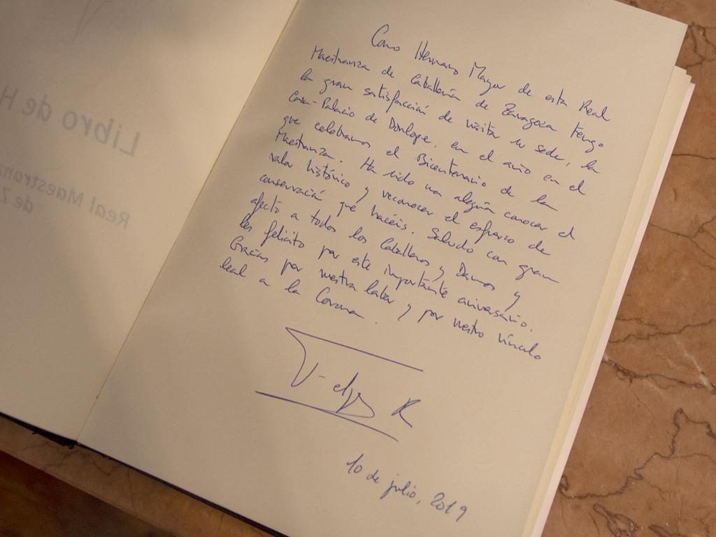 Firma Felipe VI en libro de firmas RMCZ